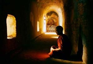 monk-meditating-sagaing-myanmar-burma